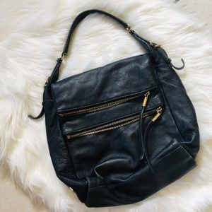🥰NEW LISTING🥰Vince Camuto black leather hobo